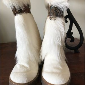 Bearpaw boots winter or  fall